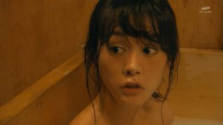 桐谷美玲全裸入浴エロお宝画像9