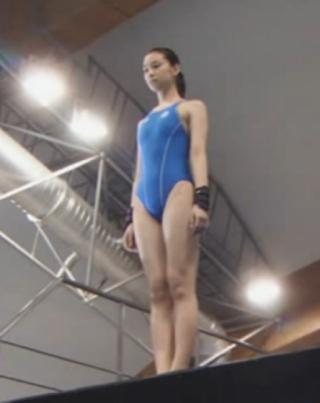 武井咲競泳水着エロお宝画像emi1