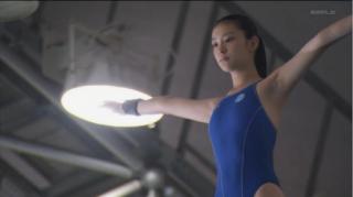 武井咲競泳水着がロリエロemi7