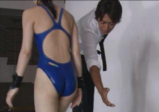 武井咲競泳水着エロお宝画像emi8