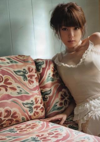 深田恭子乳首の突起が胸ポッチランジェリーエロお宝画像
