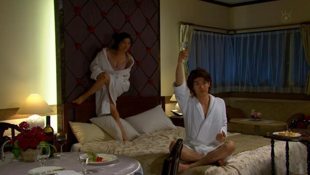 篠原涼子のエロくて抜けるお宝画像