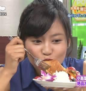 小島瑠璃子のエロいフェラ顔お宝画像