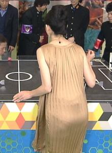 田中麗奈おっぱいの谷間胸チラリ放送事故エロお宝画像8