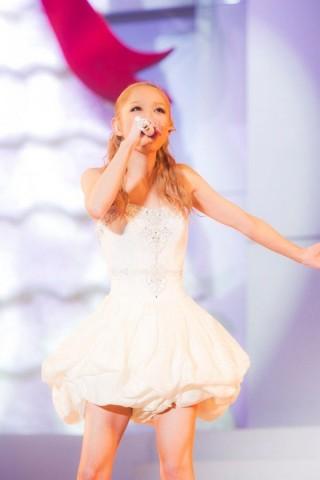 西野カナ乳首ポロリ放送事故エロお宝画像kana16