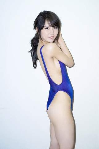 石川恋画像競泳水着11