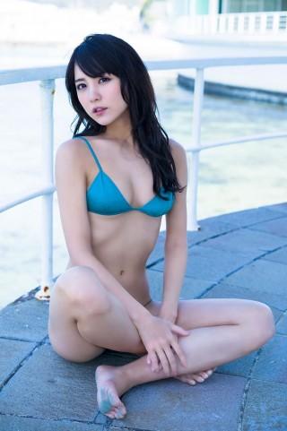 石川恋画像ビキニ水着19