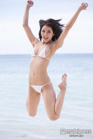 石川恋黒髪水着画像31