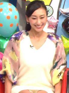浅田舞の陰毛が透けて見えるパンチラ放送事故エロ画像5