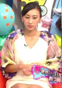 浅田舞の陰毛が透けて見えるパンチラ放送事故エロ画像9