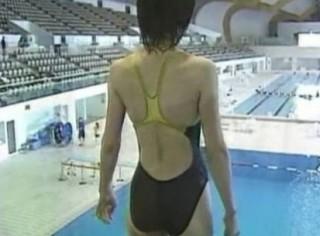 井田寛子アナウンサーの水着画像