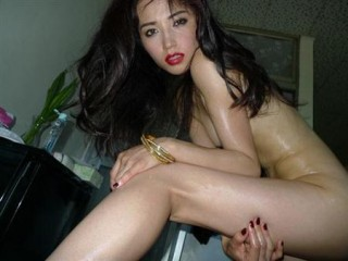 渡辺奈緒子マンチラくい込みおっぱい乳首丸出し全裸過激ヌードエロお宝画像!