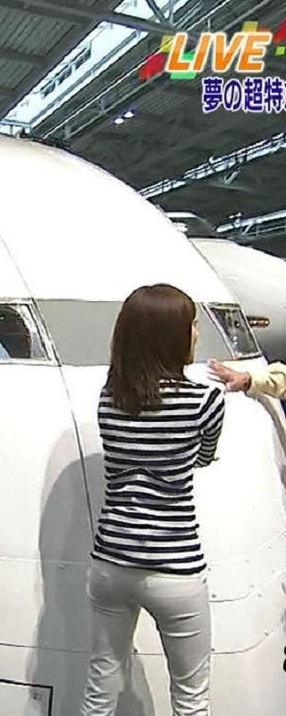 塩尻奈都子アナパンツ線放送事故エロお宝画像2