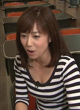 塩尻奈都子アナおっぱいの谷間胸チラリ放送事故エロお宝画像4