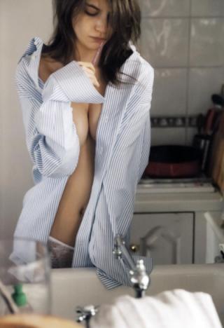 マギーヌードエロ画像(パンツ有り)6